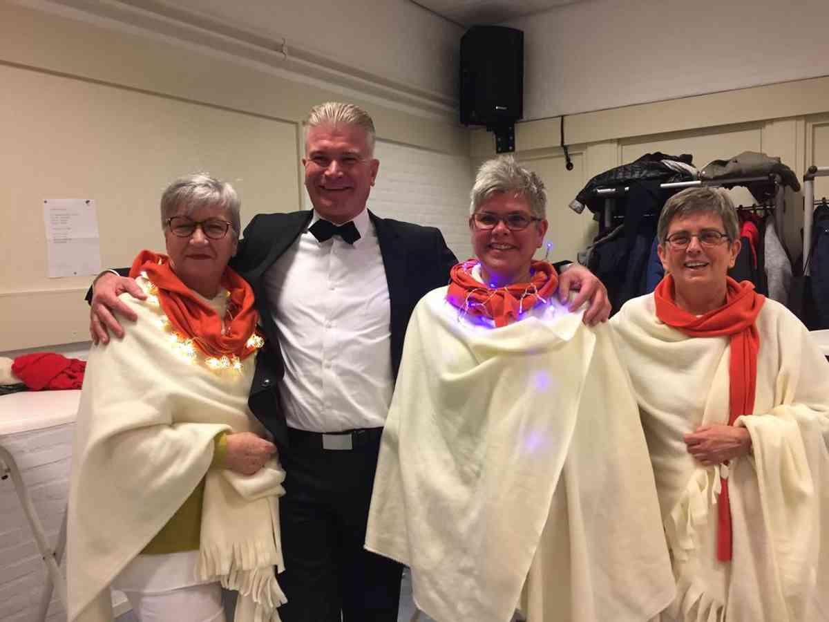 Kerstoptreden Bloemenoord Waalwijk 23-12-2018